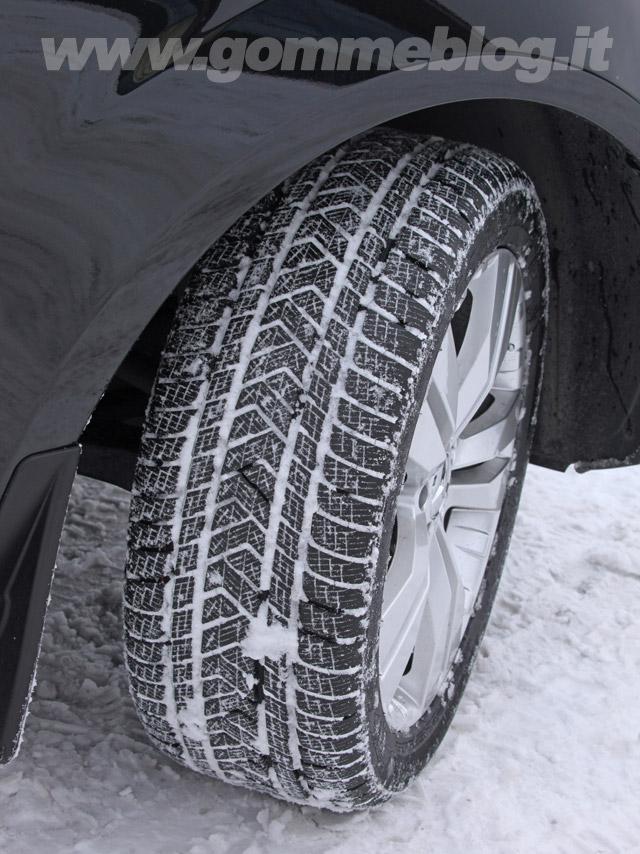 Pirelli Scorpion Winter promossi dal TUV nei Test Pneumatici Invernali