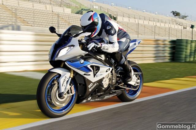 BMW HP4: pronti a guidarla? Prezzi e Disponibilità 5