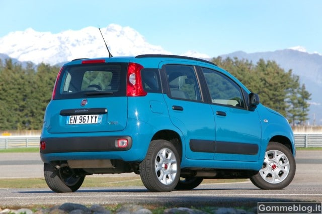 Fiat Panda Natural Power: 340 Km con 10 euro di Metano 2
