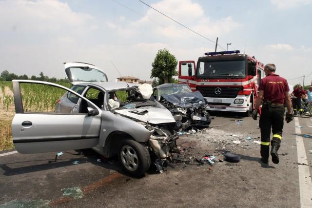 Incidenti stradali: in Italia nel 2011 -3% rispetto al 2010 2