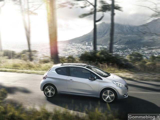 """Peugeot a """"Auto e Moto d'Epoca"""": dalla 205 T16 alla nuova 208 3"""