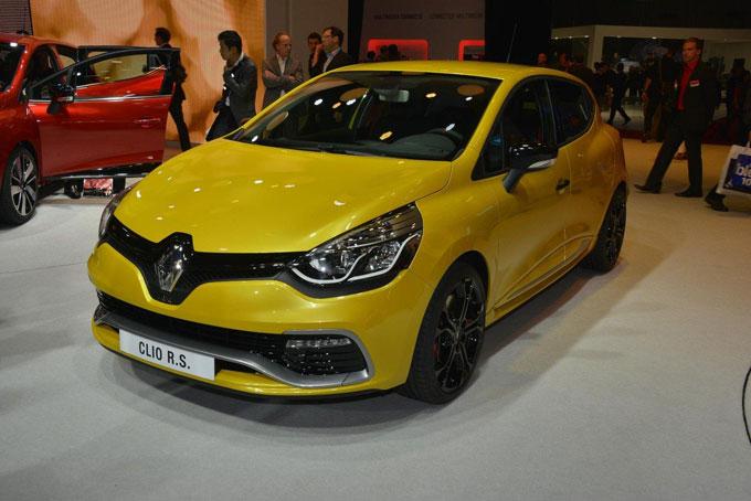 """Renault """"Muoversi Sempre Pneumatici"""": nuovo servizio assistenza stradale"""