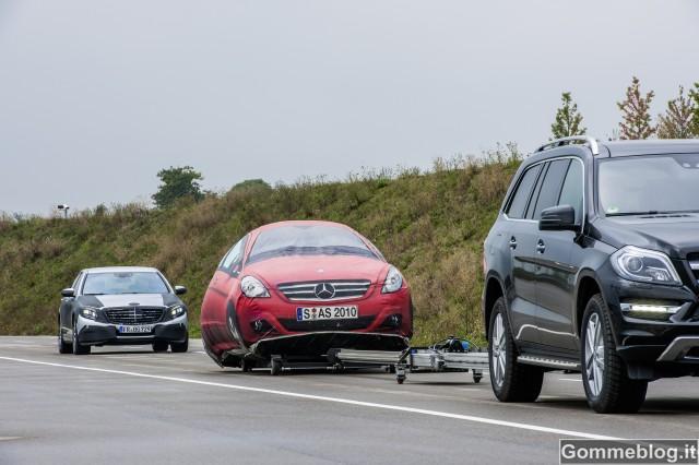 """Mercedes Intelligent Drive: arriva l'auto """"connessa"""" in tutti i sensi 2"""