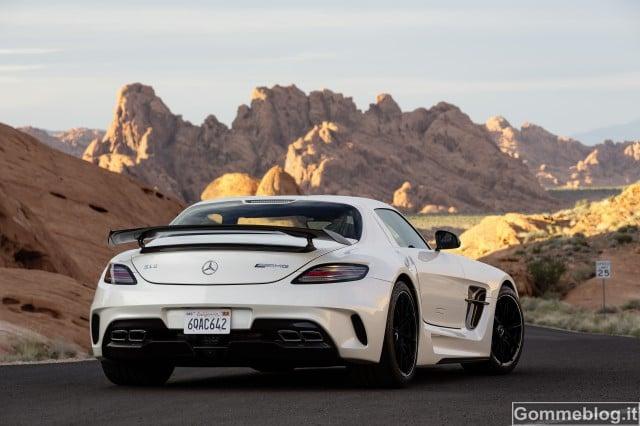Mercedes SLS AMG Coupé Black Series: Prestazioni GT3 su strada 4