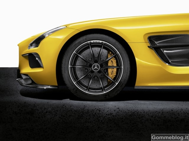 Mercedes-Benz SLS AMG Coupé Black Series: gomme Michelin Pilot sport Cup 2