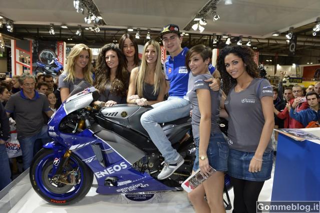 Eicma 2012: bagno di folla allo stand Yamaha per Jorge Lorenzo e Giacomo Agostini