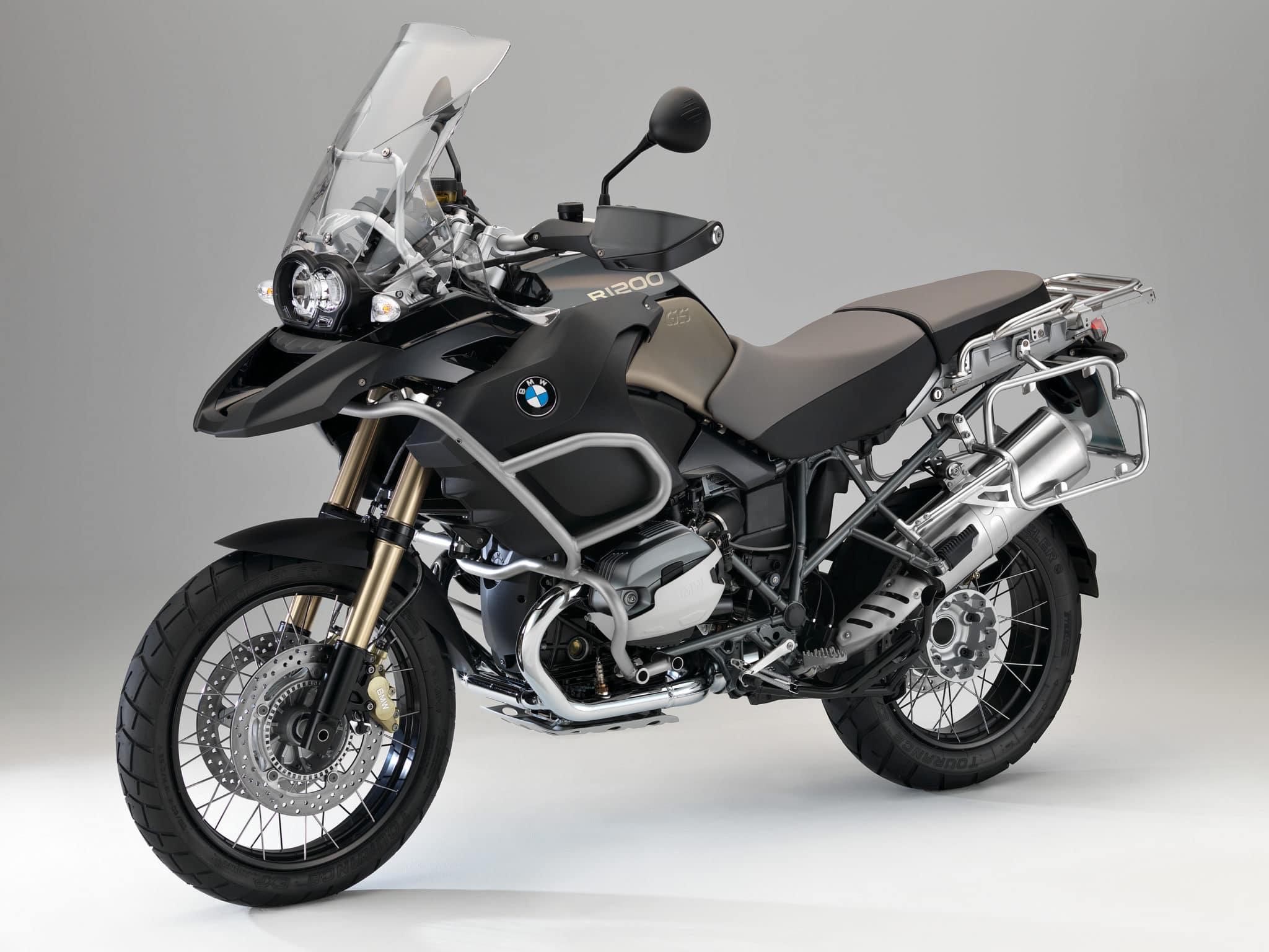 BMW ti invita a scoprire le sue nuove moto e ti dà la possibilità di vincere un weekend a Monaco!