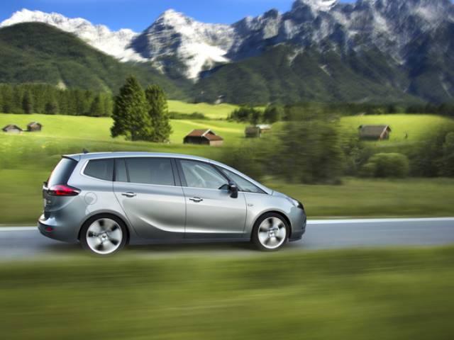 Opel Zafira Tourer 1.6 CDTI: potenza, confort ed efficienza