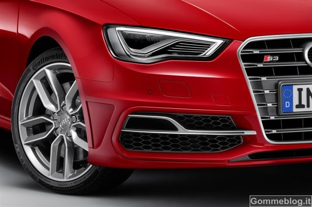 Audi S3 Sportback: 300 CV di potenza pura