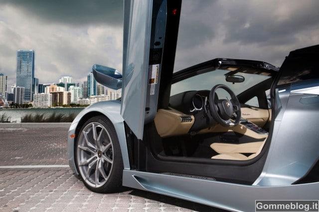 Lamborghini Aventador LP 700-4 Roadster: per lei, gomme P Zero su misura