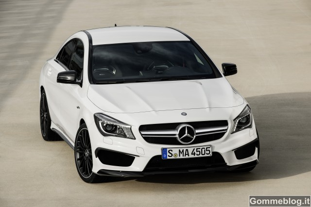 Mercedes CLA 45 AMG: quando il design incontra la Driving Performance 1
