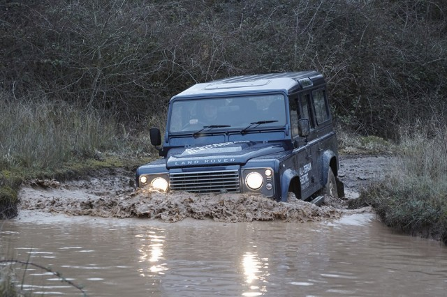 land-rover-electric-defender-lr-def-electric-vehicle-280213-16 (Copia)