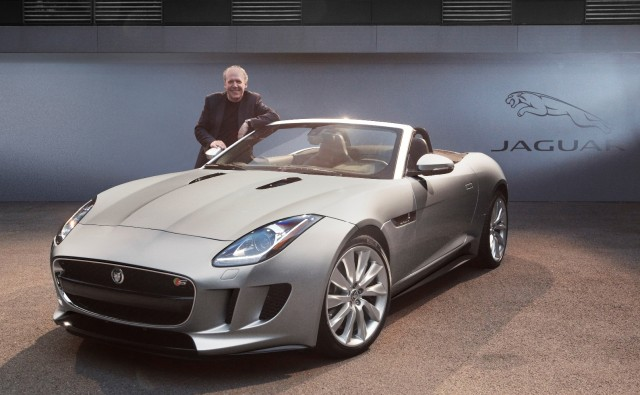 jaguar-f-type-proclamata-world-car-design-of-the-year-2013-0000007272-jaguar-f-type-wcoty-ian-callum
