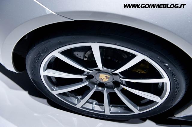 Pneumatici Porsche: Pirelli festeggia i 50 anni della 911