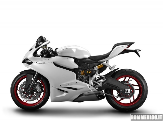 Ducati-899-Panigale-01