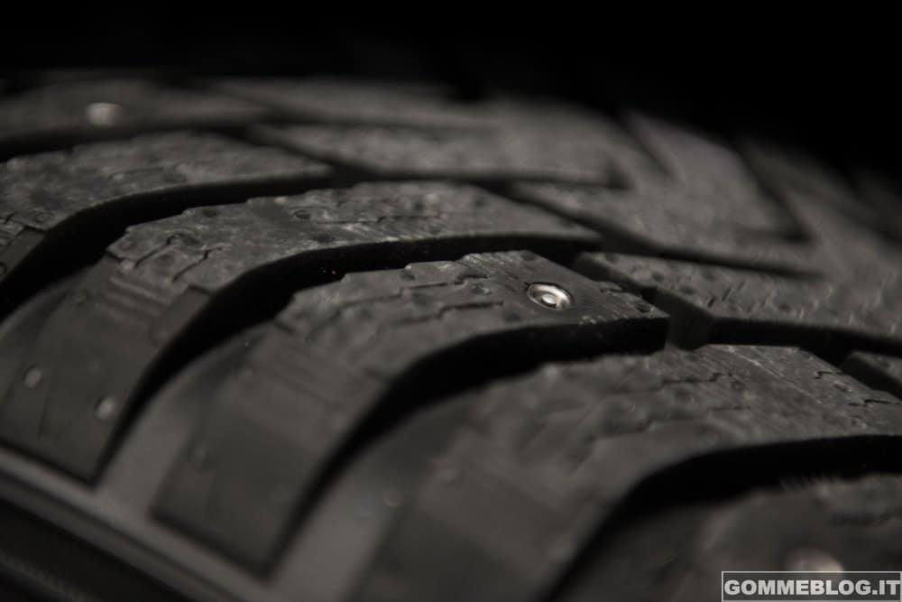 Nokian presenta il primo pneumatico invernale chiodato/non chiodato al mondo