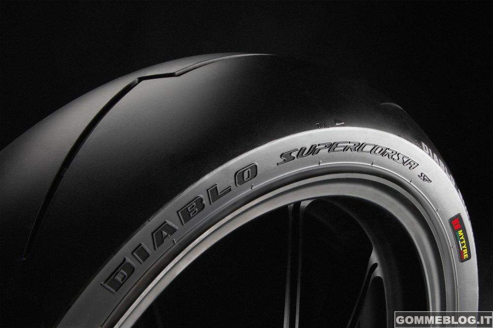 Pirelli DIABLO Supercorsa SP: Primo equipaggiamento per la nuova CBR1000RR Fireblade SP