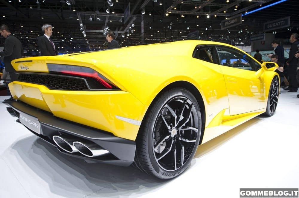 Pirelli PZero  Esaltano le Prestazioni di Lamborghini 30c7bb3f982