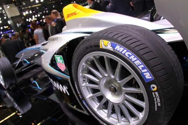 FIA_Formula_E_Championship_unveiling_IAA_rear_left