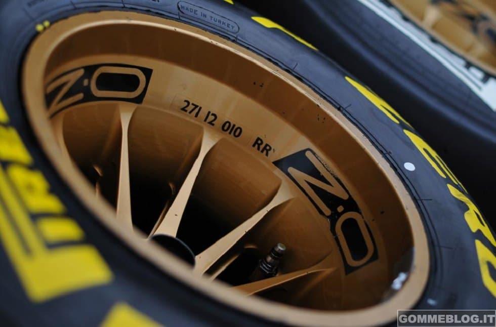 Formula 1: Pirelli Testa le Gomme da 18 Pollici