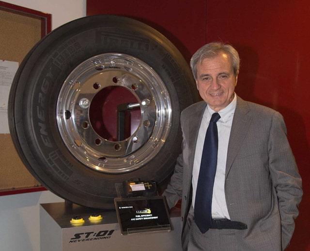 """Pirelli Cyber Tyre: Pneumatico Che """"Parla"""" Con L'auto"""