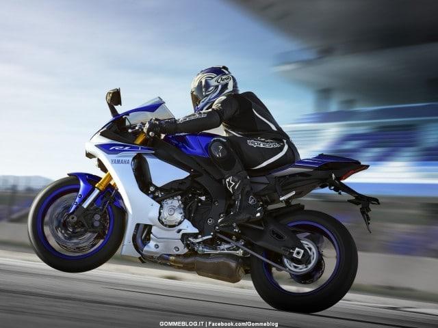 Yamaha-R1-2015-02