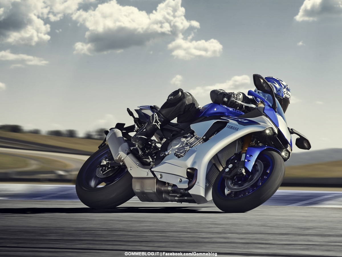 Yamaha YZF-R1 e YZF-R1M MY2015: FOTO e VIDEO