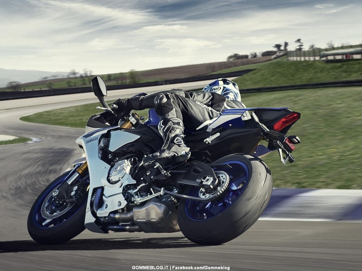 Pirelli e Yamaha dalla Pista al Mare: La potenza è Nulla senza il Controllo