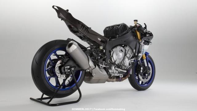 Yamaha-R1-2015-10