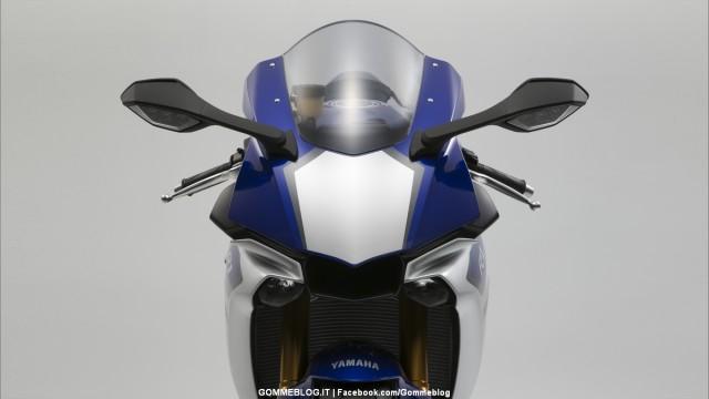Yamaha-R1-2015-11