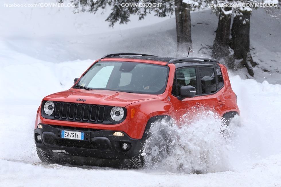 Jeep Renegade Sport TEST DRIVE NEVE e GHIACCIO 10