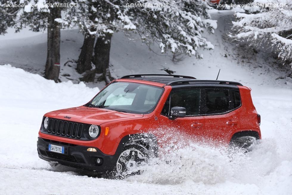 Jeep Renegade Sport TEST DRIVE NEVE e GHIACCIO 12
