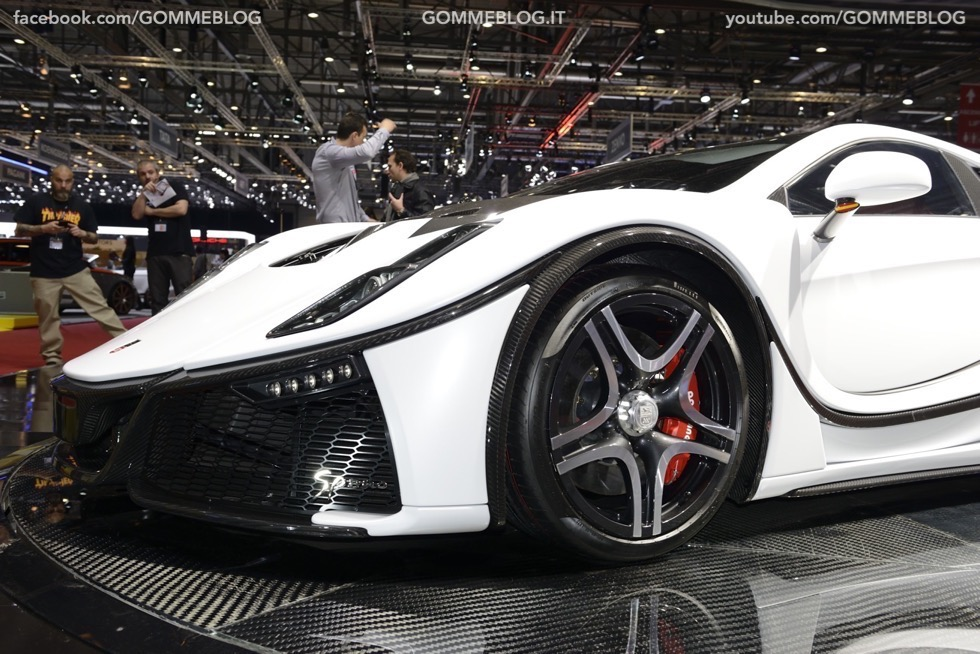 Supercar e Pirelli Salone di Ginevra 2015 [GALLERIA IMMAGINI] 38