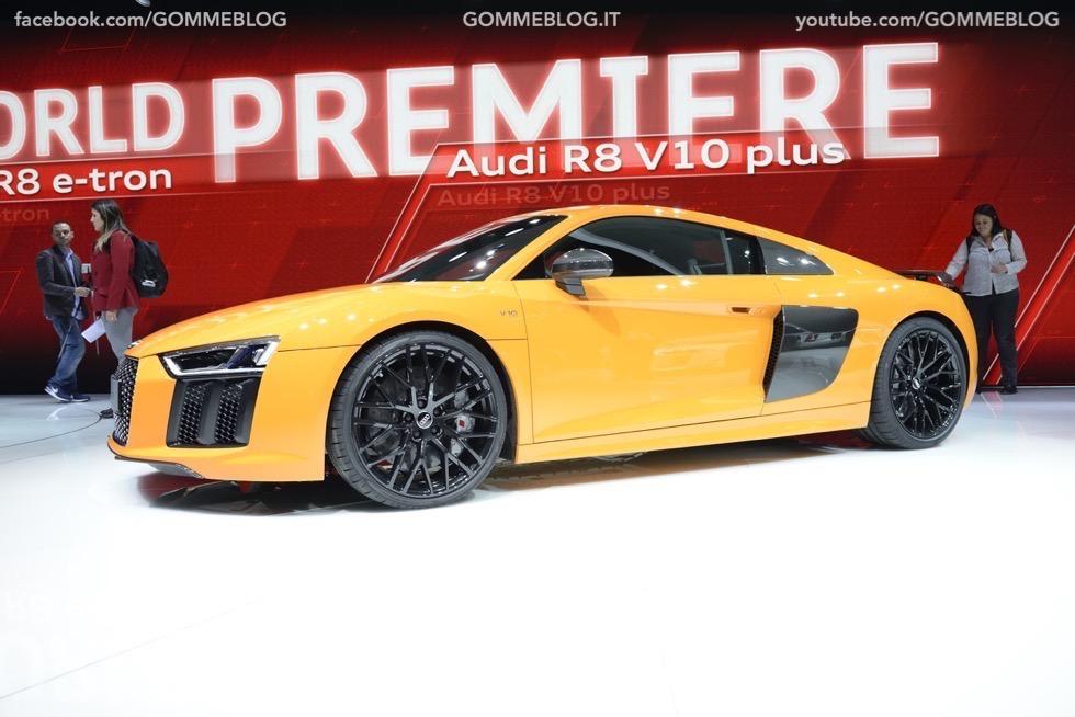 Supercar e Pirelli Salone di Ginevra 2015 [GALLERIA IMMAGINI] 25