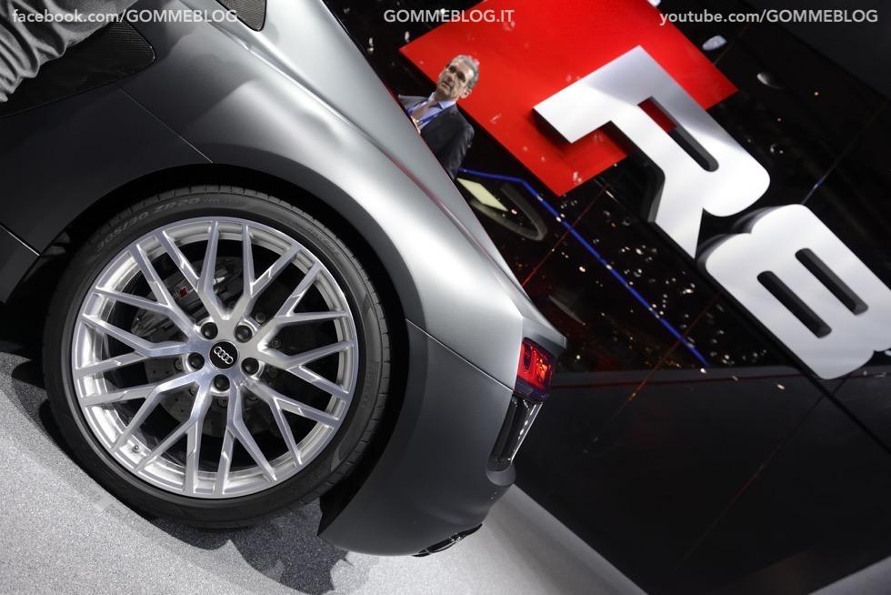 Supercar e Pirelli Salone di Ginevra 2015 [GALLERIA IMMAGINI] 21