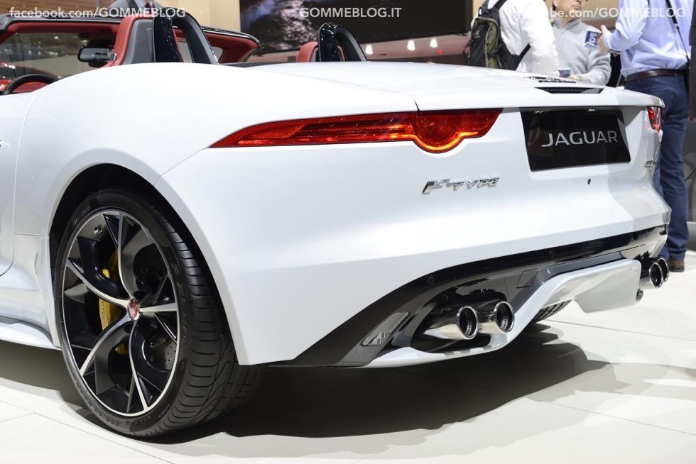 Supercar e Pirelli Salone di Ginevra 2015 [GALLERIA IMMAGINI] 12