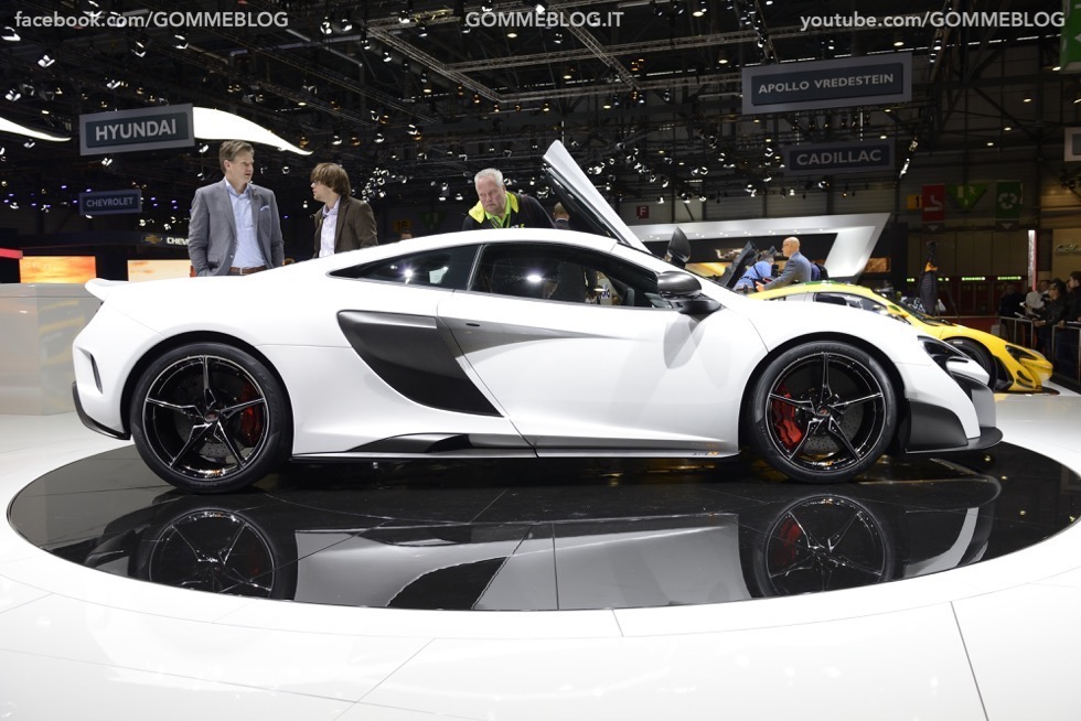 Supercar e Pirelli Salone di Ginevra 2015 [GALLERIA IMMAGINI] 3