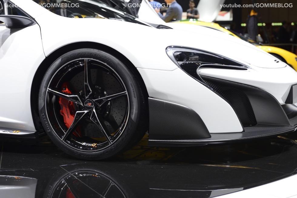 Supercar e Pirelli Salone di Ginevra 2015 [GALLERIA IMMAGINI] 2