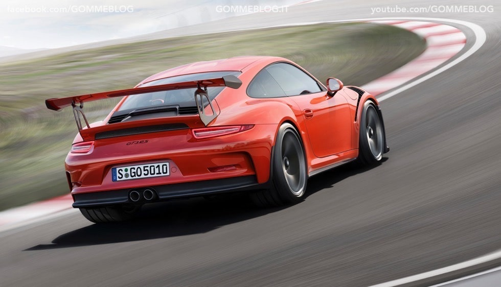 Nuova Porsche 911 GT3 RS: la Regina torna un Pista