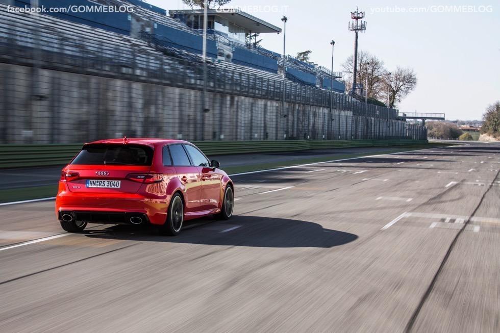 Nuova Audi RS 3 Sportback – La GALLERIA IMMAGINI COMPLETA 24