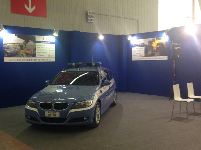 Pneumatici Sotto Controllo E Polizia Stradale: Sicurezza In Primo Piano Ad Autopromotec