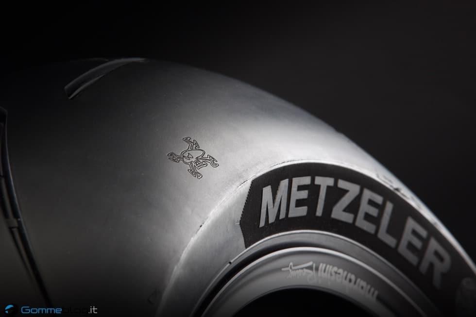 TT Tourist Trophy 2015: Guy Martin e METZELER RACETEC RR Special Edition 4
