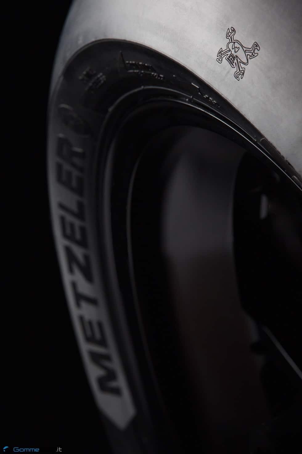 TT Tourist Trophy 2015: Guy Martin e METZELER RACETEC RR Special Edition 2