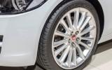 La nuova Jaguar XE veste pneumatici Dunlop