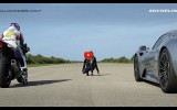 Porsche 918 Spyder VS Yamaha YZF R1 – VIDEO – Michelin #WeAreAllRacers