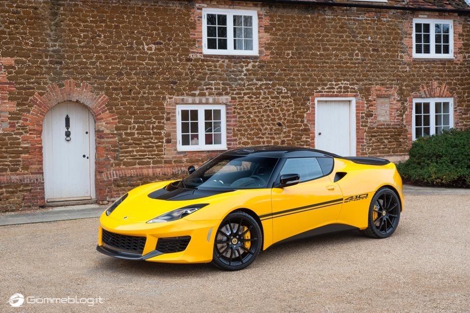 Lotus Evora Sport 410: Tutti i Segreti della Nuova Supercar da 300 Km/h