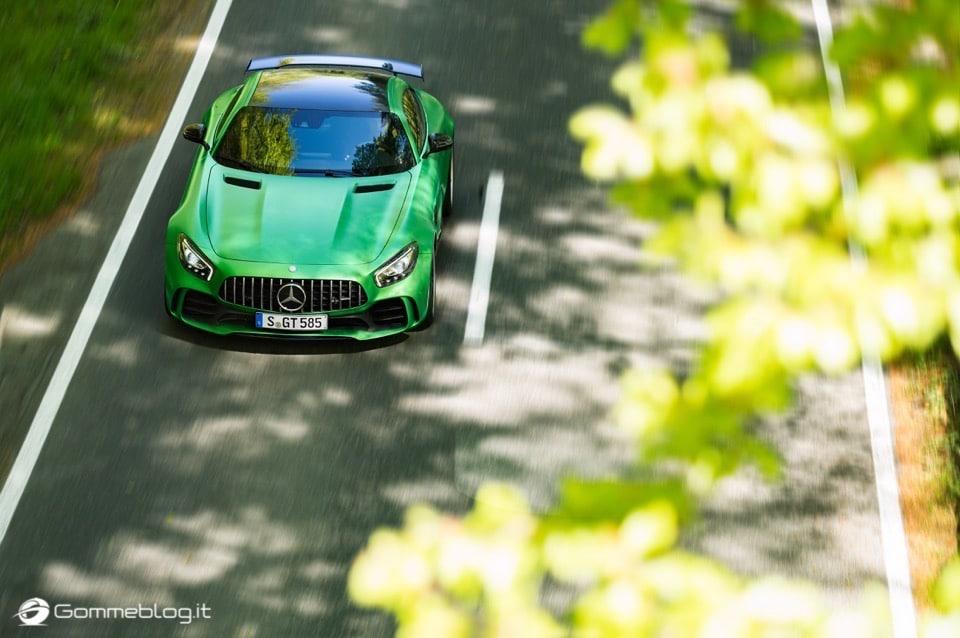 AMG GT R: 585 CV da domare con Pneumatici Michelin Pilot Sport Cup 2 15