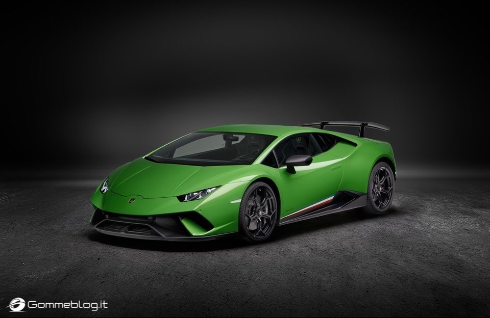 Lamborghini Huracan Performante e Pirelli: Nurburgring Record 8