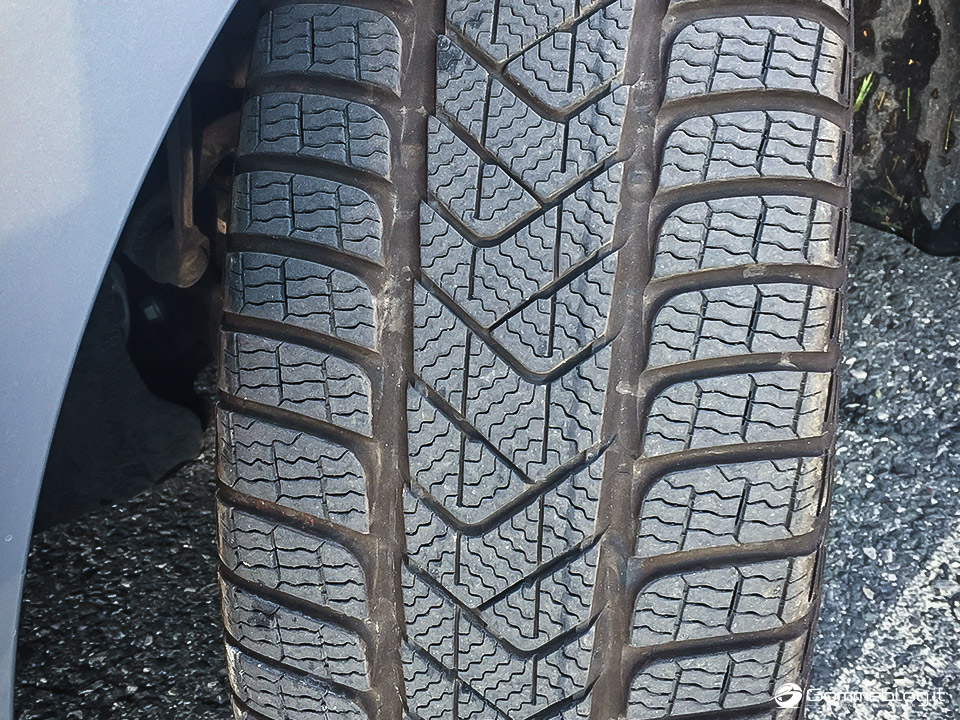 Pneumatici Invernali VW Polo: Test Gomme Pirelli Sottozero 3 7