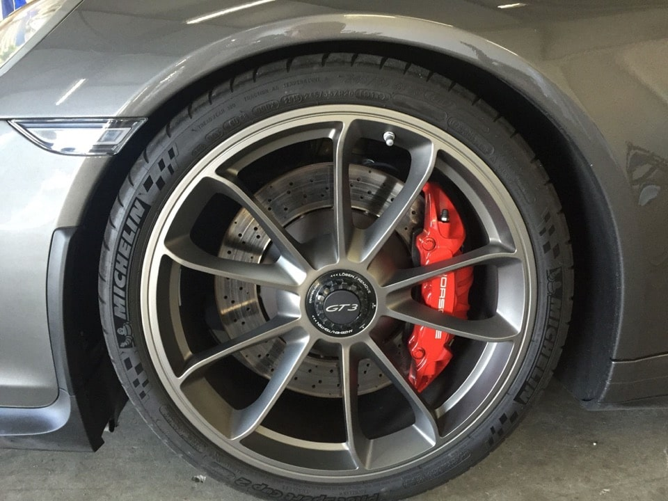 Michelin Pilot Sport Cup 2: Perfezione tra Tecnica e Performance 6